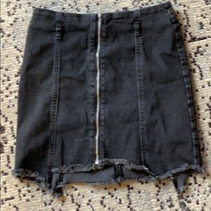 Zara black denim front zip-up skirt w/ belt loops